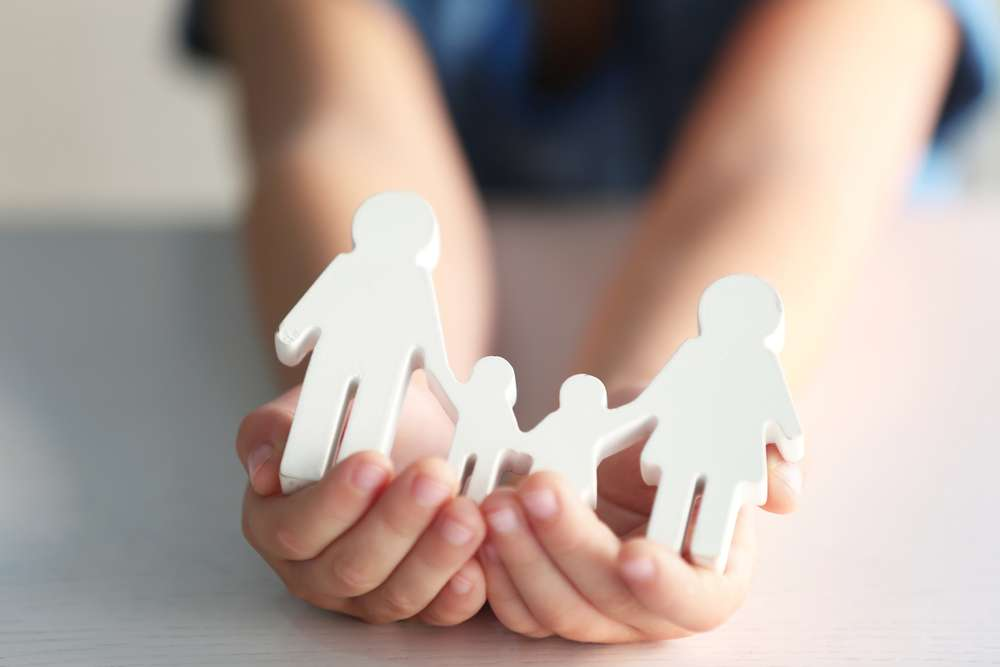 """Children of separated parents """"can move between households"""", confirms minister"""